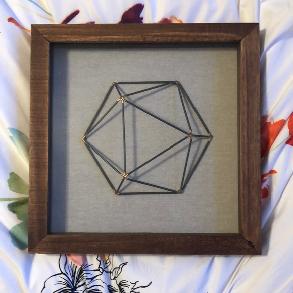 Framed wire hexagon